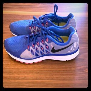 Nike Women's Zoom Vomero Shoes, Size 8